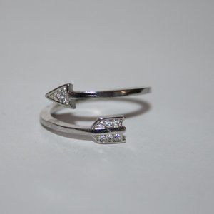 nwot silver and cz arrow ring size 5